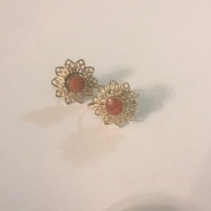 Gold stone flower earrings